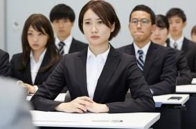 m【画像】看護師転職者でも就職合同説明会に行っていいの?求人内容や参加方法などを紹介。